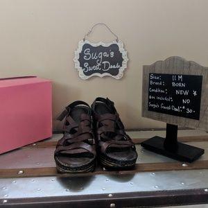 Born leather wedge sandalheel sz 11